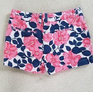 """Gap White, Pink & Blue Floral 3"""" khaki Shorts Sz2"""